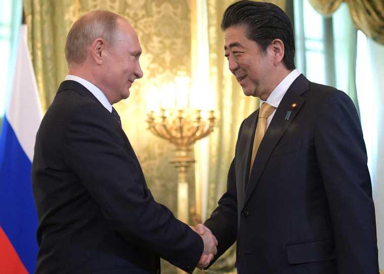 японский премьер уходит в отставку