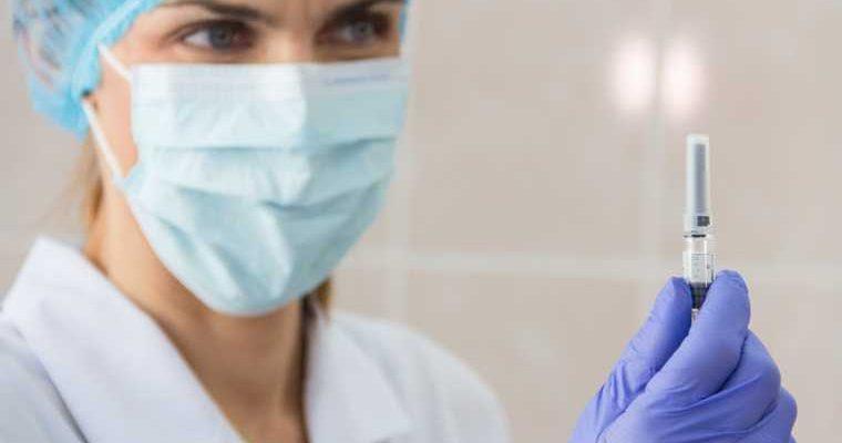 От побочных эффектов российской вакцины не защититься