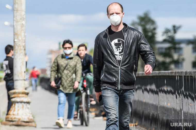 В мире за сутки COVID заразились рекордные 304 тысяч человек