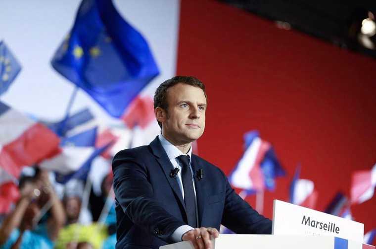 Макрон заявил о готовности Франции помочь Карабаху