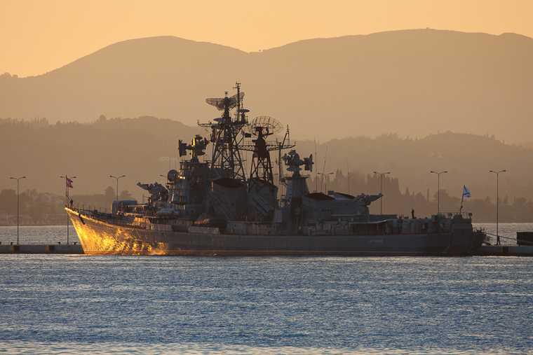 Путин поручил Минобороны подписать соглашение о создании пункта обеспечения ВМФ в Судане