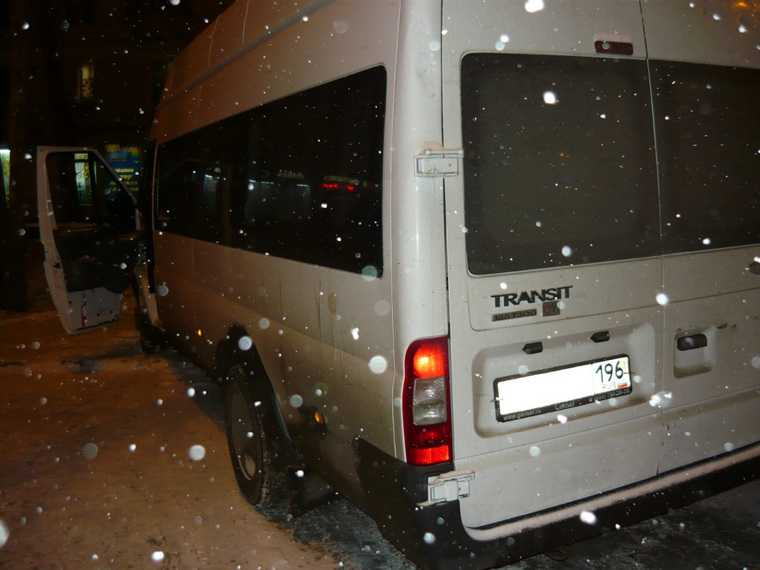 Раненый в екатеринбургской маршрутке скончался в больнице. Фото с места преступления
