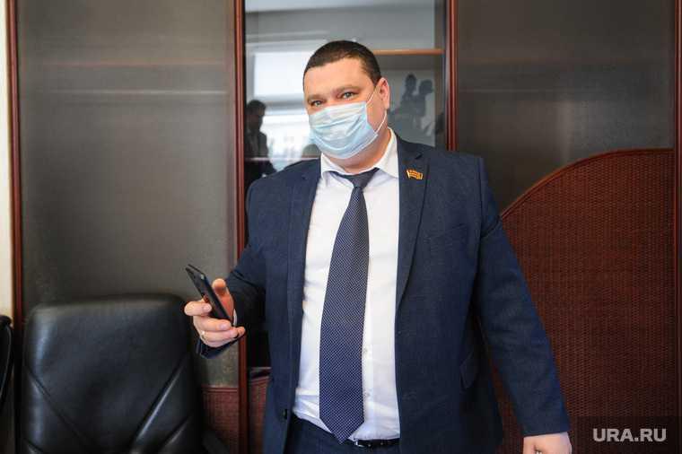 Дмитрий Тарасов отставка гордума Челябинск