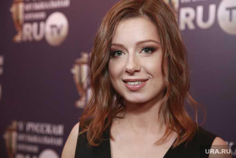интервью Юлия Савичева почему ушла певица артистка песни Максим ФАдеев