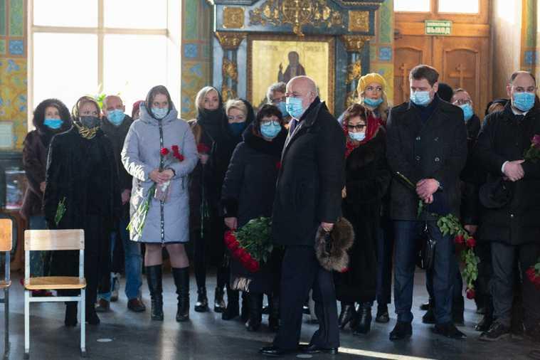 Миллиардер из Forbes простился с умершим другом в Екатеринбурге