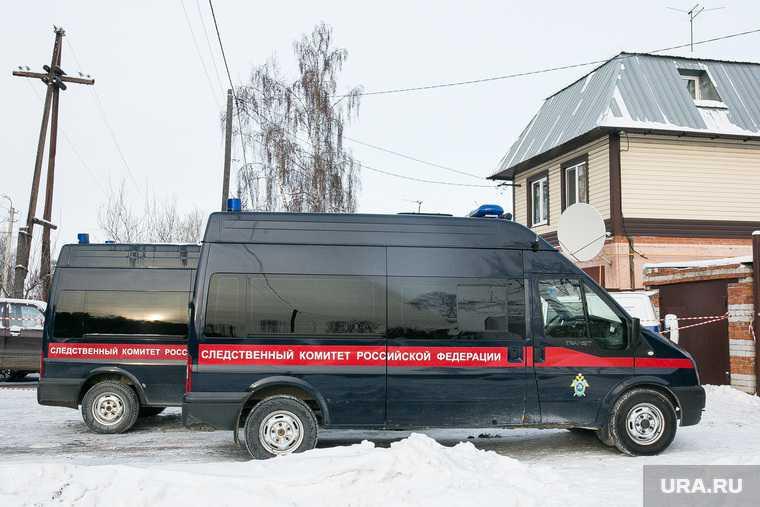 убившего семью в Октябрьском привезли на место преступления