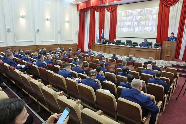 прокуратура коллегия Свердловская область отставка прокурор Сергей Охлопков