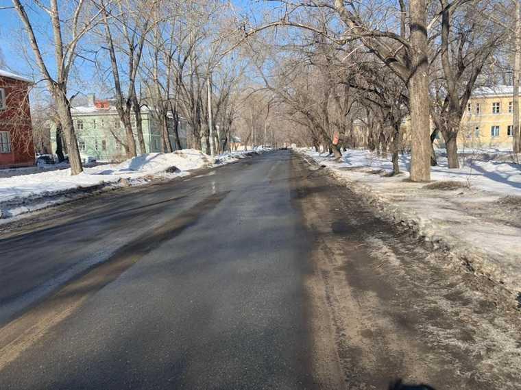 В Челябинске скорая застряла в сугробе по дороге к пациенту. Видео