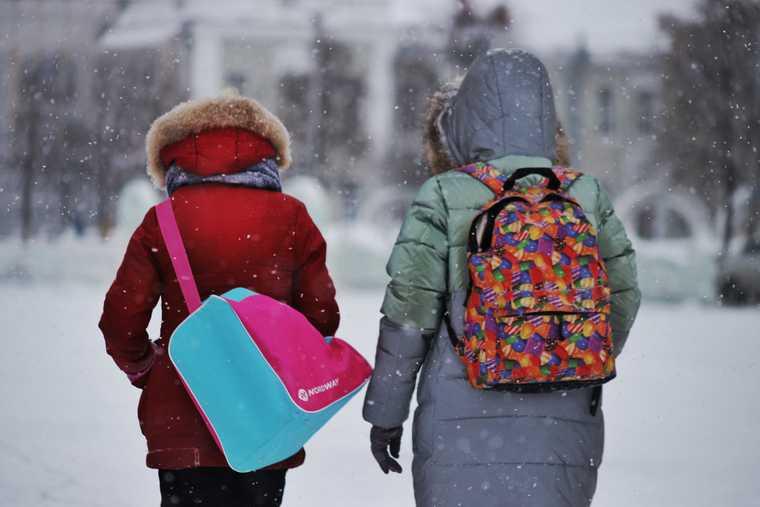 новости хмао сотрудники полиции задержали школьниц административное наказание комиссия по делам несовершеннолетних остановили детей наказали родителей