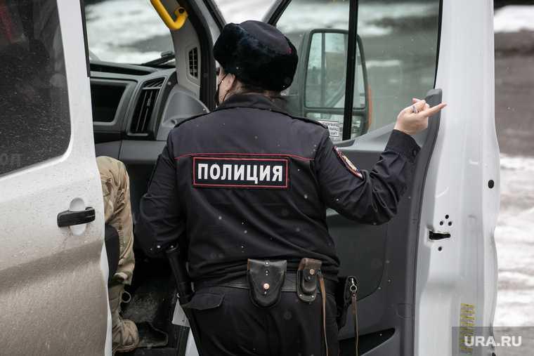 Пьяная жительница ЯНАО вызвала полицейских и избила их