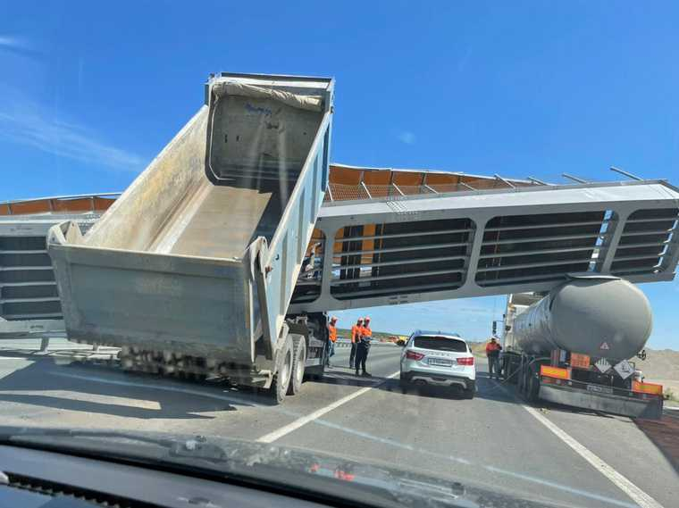 На трассе Курган-Челябинск обрушился мост. Фото